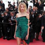 "Cannes 2017: Anja Rubik w sukience Saint Laurent na premierze filmu ""The Killing of a Sacred Deer"""