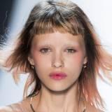 Fryzury Do Ramion Ellepl Trendy Wiosna Lato 2019 Moda Modne