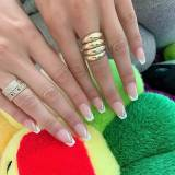 Bella Hadid i jej french manicure