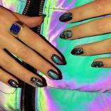 Modne paznokcie: Magnetic Galaxy Nails