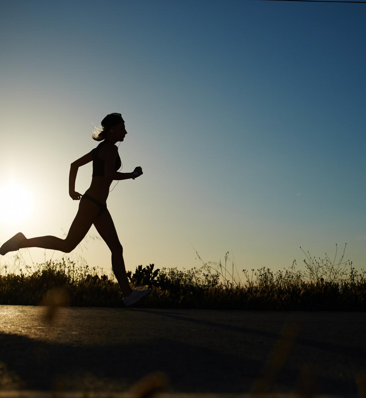 Jak zacząć ćwiczyć w domu, aby schudnąć? Najlepsze ćwiczenia w domu
