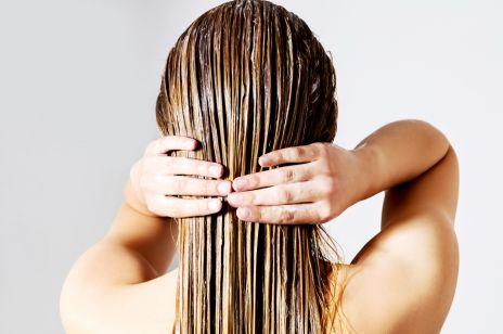Te odżywki do włosów z Rossmanna to hit urodowych blogerek. Mają świetny skład i kosztują mniej niż 10 złotych