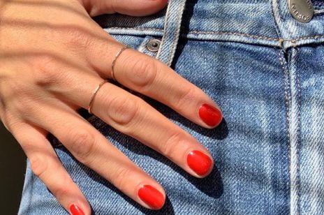 Jak malują paznokcie Francuzki? Pomysły na minimalistyczny manicure w stylu french chic
