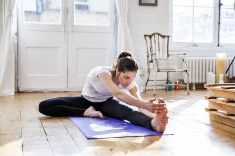 Trening powięziowy. Co to takiego? Za pomocą treningu powięzi przeciwdziałamy negatywnym skutkom siedzącego trybu życia, dużej ilości stresu, czy obciążającej pozycji pracy