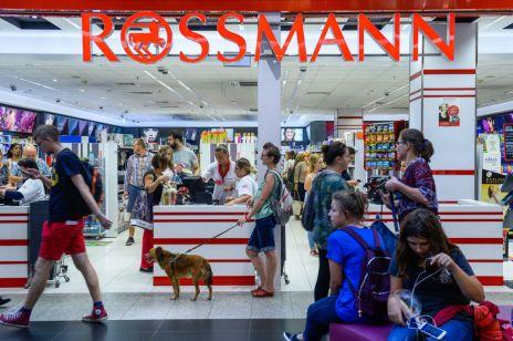 Promocja w Rossmann: -55% na produkty do makijażu! Nowa oferta na październik