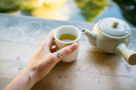 Cała prawda o jedzeniu:  zielona herbata odchudza, a wegetarianizm prowadzi do niedoboru żelaza?
