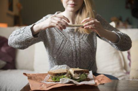W Polsce debiutuje aplikacja, która walczy z marnowaniem jedzenia i pozwala odkupić od restauracji niesprzedane posiłki za 1/3 ceny
