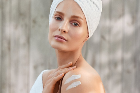 HOT Alert! Innowacyjne balsamy z probiotykami od Eveline Cosmetics