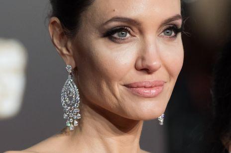 Ulubione kosmetyki i zabiegi Angeliny Jolie. Jej dermatolog zdradza, jak aktorka zachowuje młody wygląd skóry