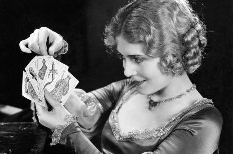 Tarot dla początkujących. Jak wróżyć z talii kart?