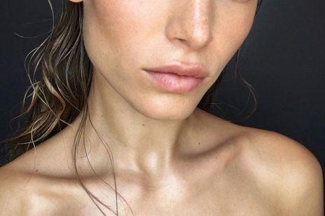 8 nawadniających masek do twarzy, które przywrócą do życia twoją suchą skórę