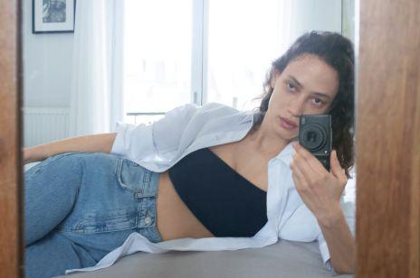 Te jeansy z Zary wyprzedają się co kilka minut na całym świecie. Chodzi o model o bardzo charakterystycznym kroju nogawki