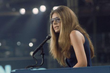 Dziennikarka, szpieg, feministka, bohaterka serialu, o którym mówią teraz wszyscy oraz... ikona stylu. Świat mody kocha Glorię Steinem