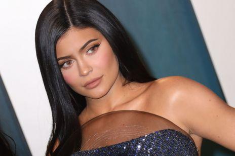 Kylie Jenner nie jest miliarderką! Forbes ujawnił nowe informacje na temat gwiazdy. Dlaczego Amerykanka kłamała?