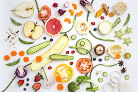 Warzywa i owoce działające przeciwstarzeniowo. 11 produktów, które powinny znaleźć się w twojej lodówce