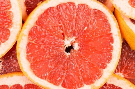 Dieta grejpfrutowa przez 12 dni to zdrowy sposób na chudnięcie? Efekty i jadłospis diety grejpfrutowej