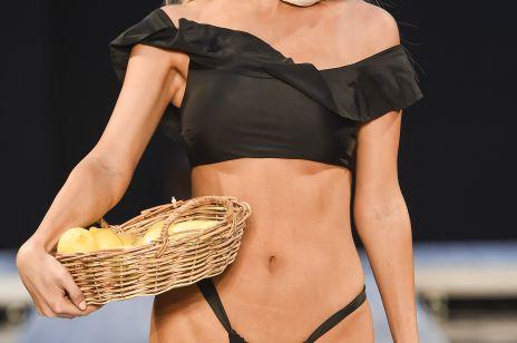 Najpiękniejsze kostiumy i stroje plażowe na upał. Ponad 50 stylizacji z Miami Beachwear Fashion Week