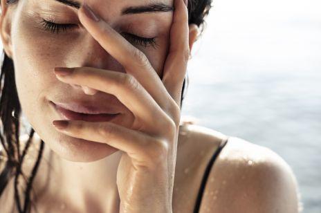 Kosmetyki z wodą himalajską – sposób na jędrną i intensywnie nawilżoną skórę. Rytuał nawadniania w 4 krokach