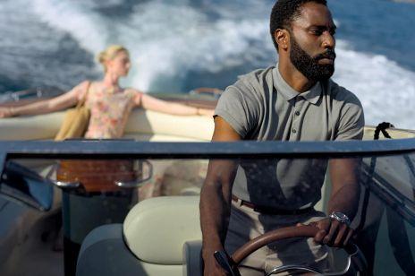 """""""Tenet"""": ten film ma sprawić, że tłumy widzów wrócą do kin. Czy tak będzie? Nowa produkcja Christophera Nolana wciąga już od pierwszych sekund"""