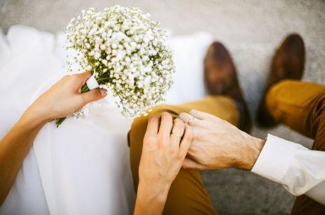 Co zamiast kwiatów na ślub? Pomysły na prezent dla pary młodej