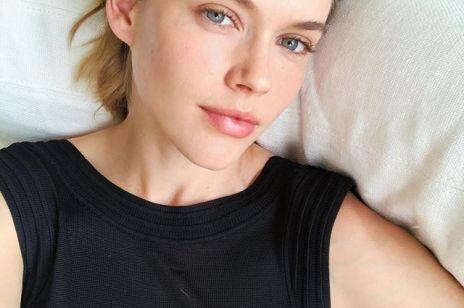 6 kremów na dzień dobry, które usuwają oznaki nocnego zmęczenia. Rozświetlają twarz i są idealną bazą pod makijaż