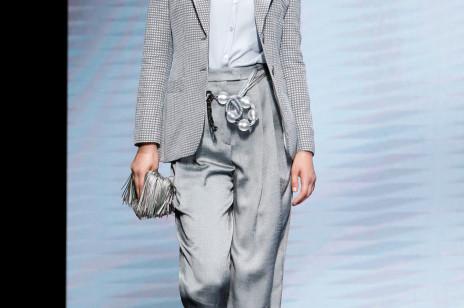 Giorgio Armani wiosna-lato 2021. Ponadczasowe uniformy