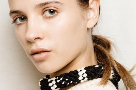 Niezbędnik kosmetyczny na jesień: 6 produktów od renomowanych marek, które kupisz w atrakcyjnej cenie