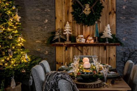 Minimalistyczna zastawa, rustykalne ozdoby i granat - Salony Agata zaprezentowały kolekcję świątecznych dekoracji [Trendy 2020]