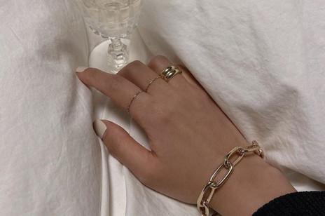 Przegląd subtelnej biżuterii w klasycznym stylu, z którą nie będziecie chciały rozstawać się nawet na chwilę