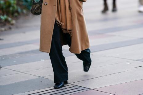 Buty z kwadratowym noskiem są hitem sezonu jesień-zima 2020/2021. Jakie wybrać i gdzie kupić najładniejsze?