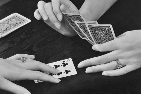 Karty cygańskie: jak stawiać tarot cygański? Interpretacja, symbolika, wróżenie