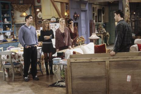 """W Zarze kupicie teraz spódniczkę à la Rachel Green. Identyczną nosiła Jennifer Aniston w pierwszych sezonach """"Przyjaciół"""""""