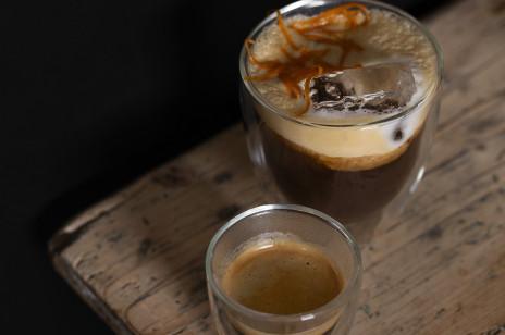 Kawa na świąteczne oczekiwanie czy zimowe wspomnienie wakacji? O ulubione przepisy pytamy trenera baristów!