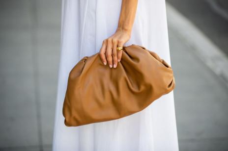 Wyprzedaż Zara 2020: najlepiej przecenione buty i torebki, które założymy także wiosną. Będą modne jeszcze bardzo długo