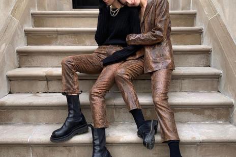 Masywne ankle boots najmodniejszymi butami na zimę 2021. Ten model pokochały gwiazdy, stylistki i influencerki