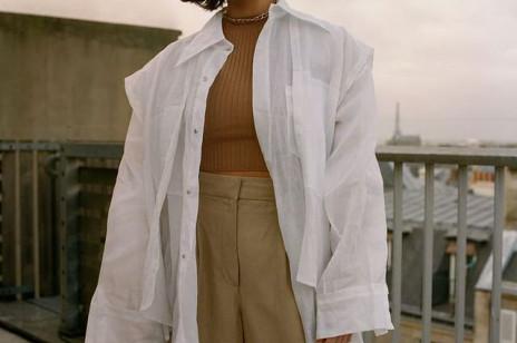 5 ulubionych stylizacji Francuzek z wykorzystaniem zwykłej, białej koszuli. Sprawdzą się nawet, gdy temperatury spadną poniżej zera!