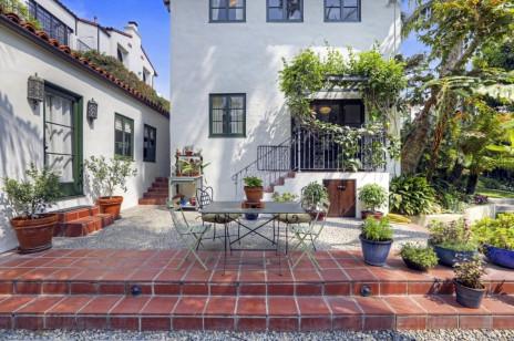 Nowy dom Kristen Stewart w Los Feliz.  Basen, 4 sypialnie, ogród we włoskim stylu