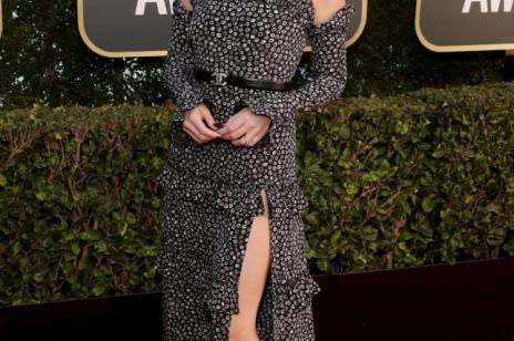 Złote Globy 2021: stylizacje gwiazd. Zobacz suknie Margot Robbie, Anyi Taylor-Joy, Elle Fanning, Renée Zellweger, czy Gal Gadot