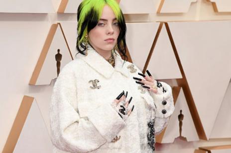 Billie Eilish już tak nie wygląda! Wokalistka diametralnie zmieniła kolor włosów i teraz jest blondynką. Zobacz najnowsze zdjęcie gwiazdy