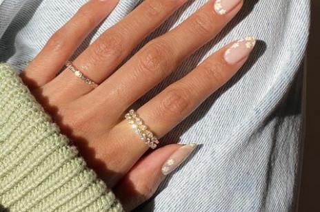 Efektowny manicure na wiosnę – 10 najpiękniejszych wzorków, które zrobisz sama bez wizyty w salonie