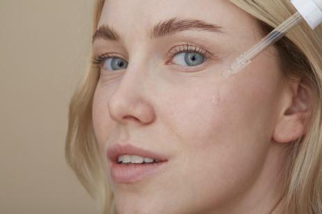 5 skutecznych kosmetyków do codziennej pielęgnacji cery dojrzałej. Działają dzięki wysokiej zawartości substancji aktywnych