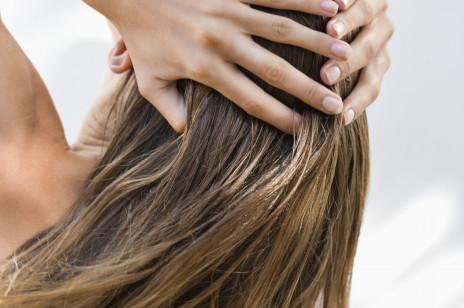 Jak przyspieszyć porost włosów? 5 skutecznych sposobów, które naprawdę działają