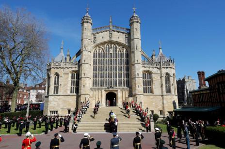 Pogrzeb księcia Filipa: rodzina królewska żegna księcia Edynburga w Windsorze [ZDJĘCIA]