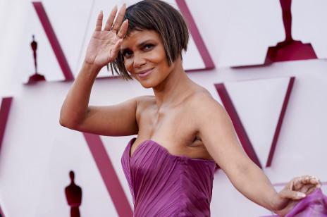 Halle Berry wyjaśniła swoją fryzurę z ceremonii rozdania Oscarów. O co chodziło z krótkim bobem aktorki?