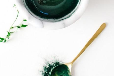Algi na twarz - poznaj ich dobroczynny wpływ na cerę i zastosowanie w naturalnej pielęgnacji skóry
