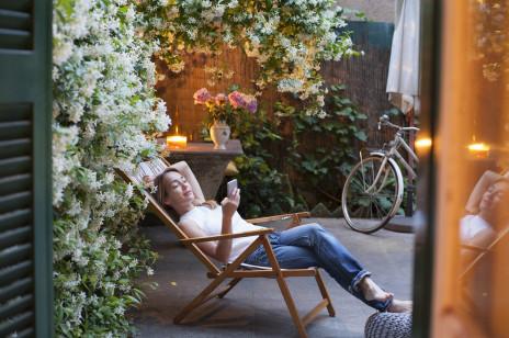 Jak się zrelaksować? 10 sposobów na odprężenie w domu i poza nim