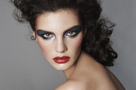 Zara otworzyła dział beauty! Hiszpańska sieciówka od dziś sprzedaje m.in. szminki i cienie do powiek [Dostępność, kolory, ceny]
