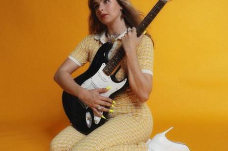 Julia Pośnik na nowojorskim Times Square i w kultowym magazynie Rolling Stone. Dziś premiera debiutanckiego albumu artystki!