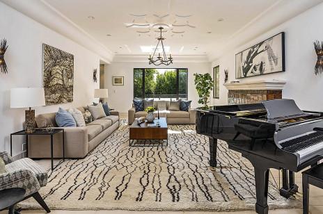 Rihanna sprzedaje jeden ze swoich domów w LA