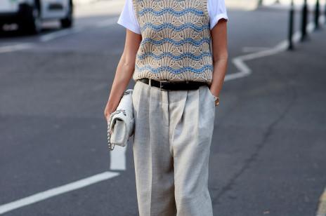 Tak noszą się blogerki, stylistki i najmodniejsze dziewczyny Londynu. Jeszcze więcej inspiracji z LFW wiosna-lato 2022 [street style]